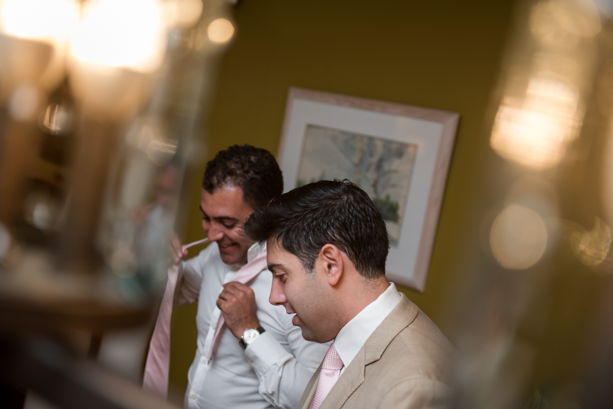 mt-sinai-wedding-prep-guys-tie