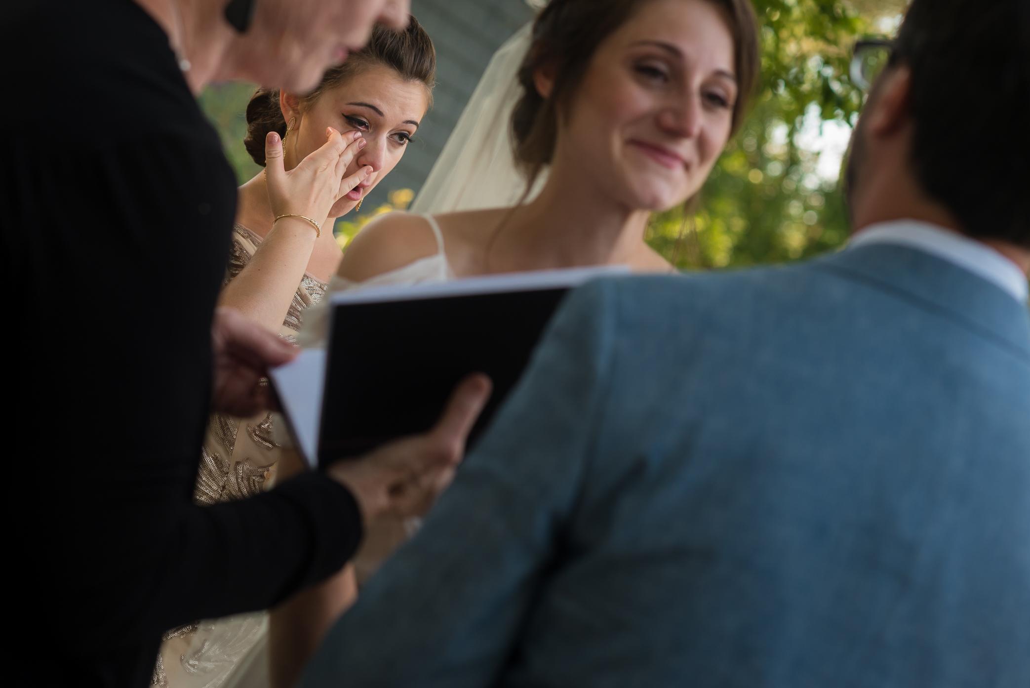 mt-sinai-wedding-sister-crying